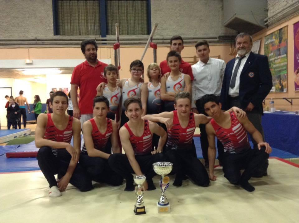 Les deux équipes championnes du Gard